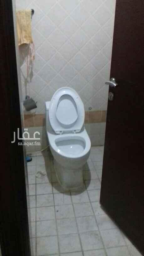 شقة للإيجار في شارع الحواجر ، حي الشهداء ، الرياض