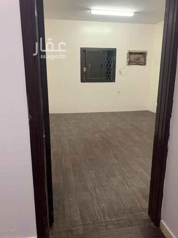 شقة للإيجار في شارع عمر بن علوان التونسي ، حي العزيزية ، الرياض ، الرياض