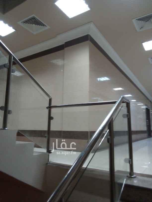 مكتب تجاري للإيجار في شارع أبو حامد الغزالي ، حي العنود ، الدمام