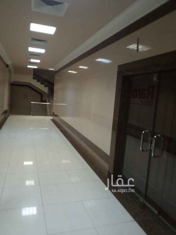 مكتب تجاري للإيجار في شارع الامير سعود بن جلوي ، حي العنود ، الدمام ، الدمام