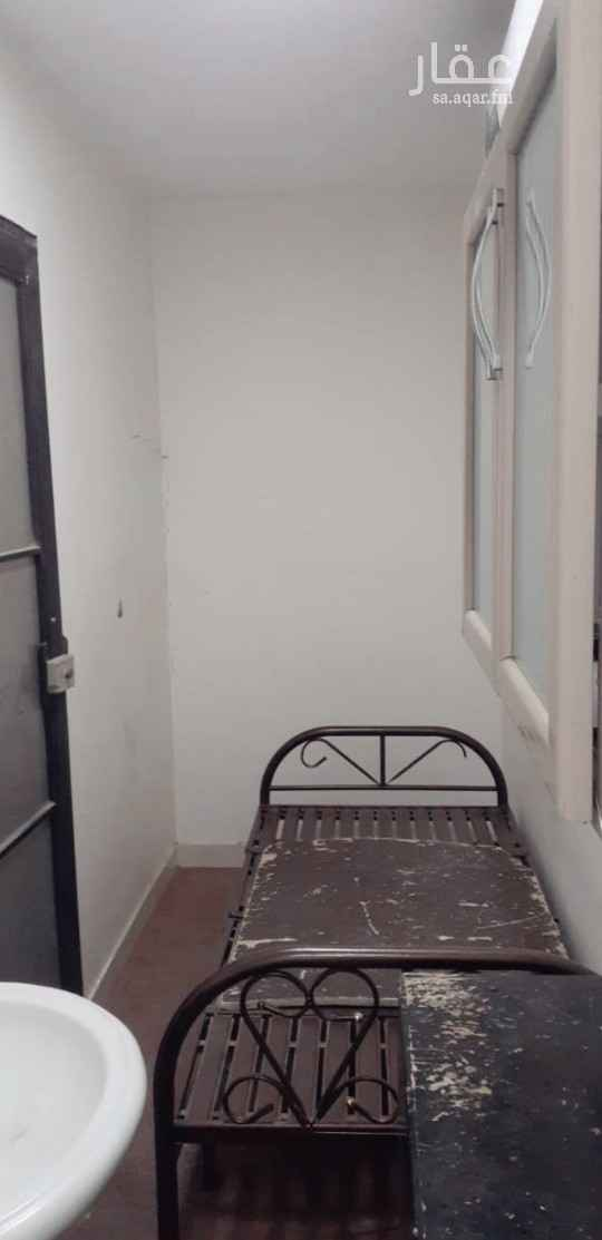 غرفة للإيجار في شارع احمد بن محمد البصري ، حي العارض ، الرياض ، الرياض