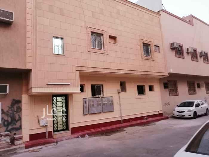 عمارة للبيع في شارع السويدي العام ، حي سلطانة ، الرياض ، الرياض