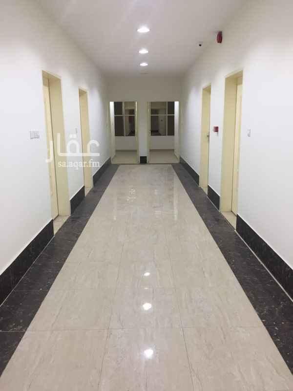 مكتب تجاري للإيجار في شارع فرسان ، الرياض