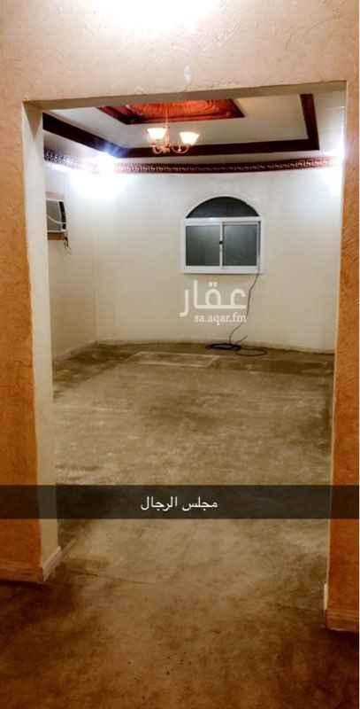 دور للإيجار في شارع احمد بن هاشم ، حي اشبيلية ، الرياض