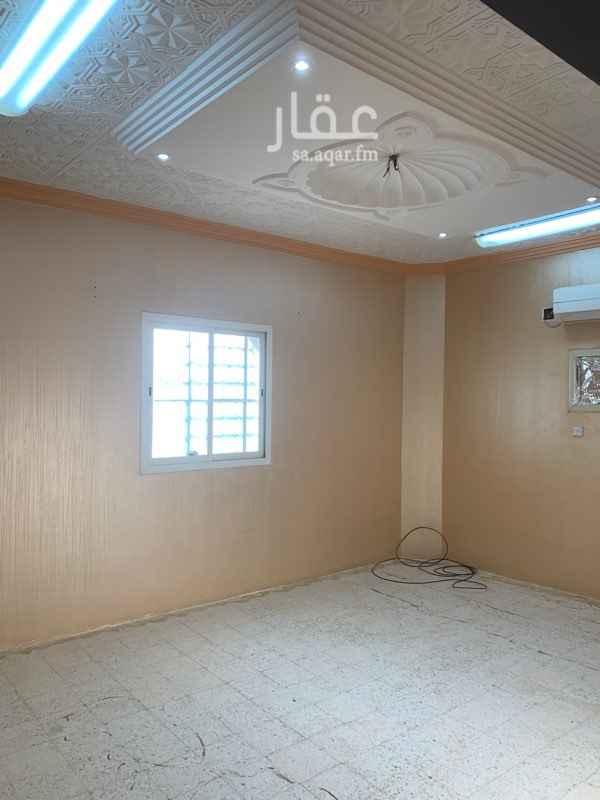 دور للإيجار في شارع الكر ، حي العريجاء الغربية ، الرياض