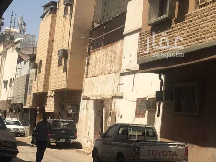 بيت للبيع في شارع ابن مفرج ، حي الخالدية ، الرياض