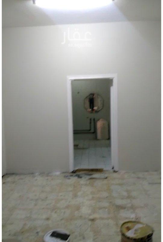 غرفة للإيجار في شارع عائشة بنت أبي بكر ، حي ظهرة البديعة ، الرياض ، الرياض