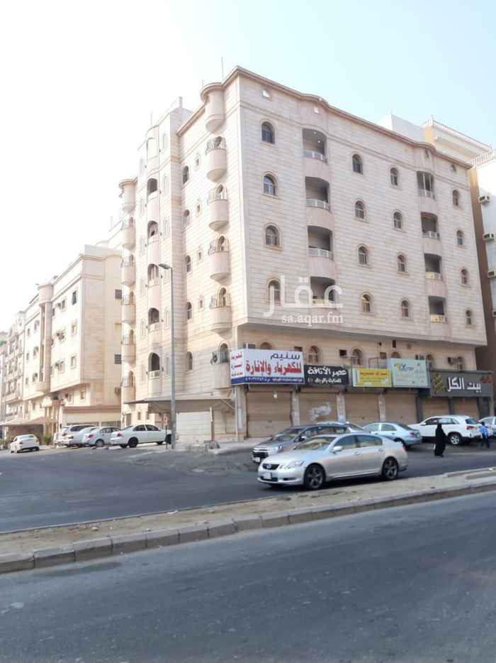 عمارة للبيع في شارع أبي عبدالرحمن بن عقيل الظاهري ، حي المروة ، جدة ، جدة