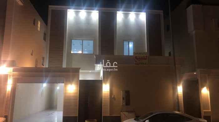فيلا للبيع في شارع محمد بن مبارك التكروري ، حي القادسية ، الرياض