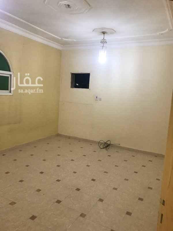 دور للإيجار في شارع ابراهيم الرشودي ، حي النهضة ، الرياض