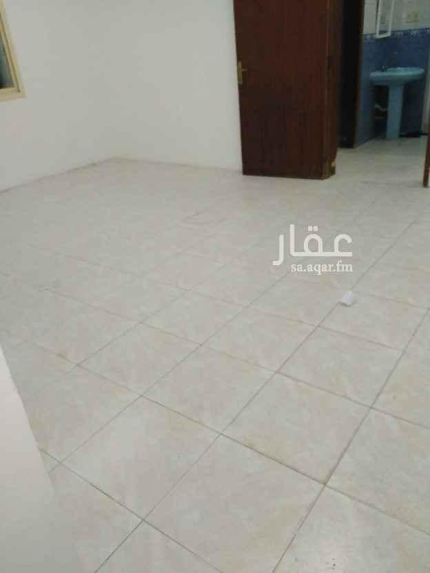 شقة للإيجار في شارع بدر ، حي الثقبة ، الخبر ، الخبر
