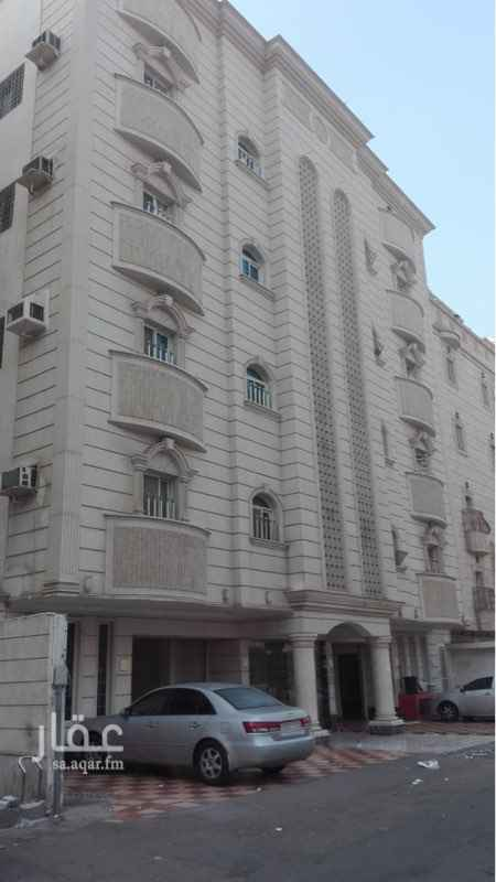 عمارة للبيع في طريق الفلاح الفرعي ، حي الوزيرية ، جدة