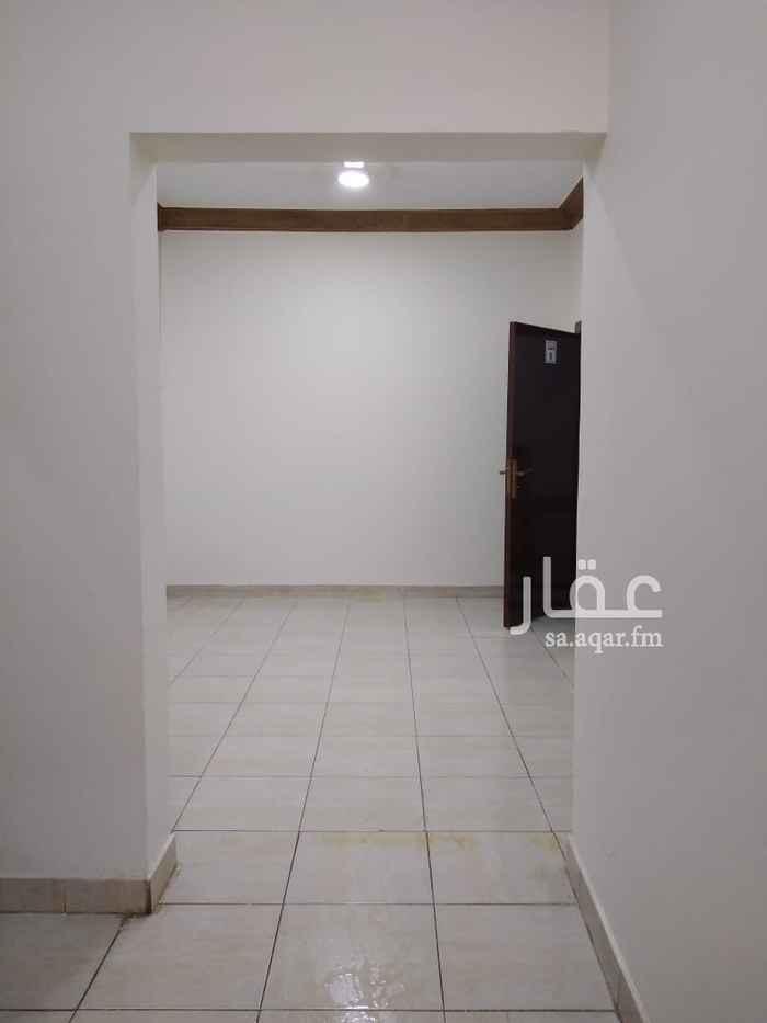 شقة للإيجار في شارع الأمير مقرن بن عبدالعزيز ، حي المغرزات ، الرياض ، الرياض