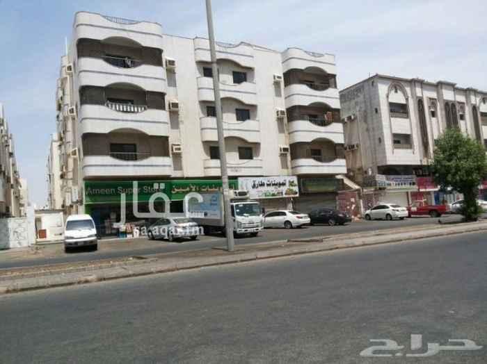 عمارة للبيع في حي العزيزية ، جدة