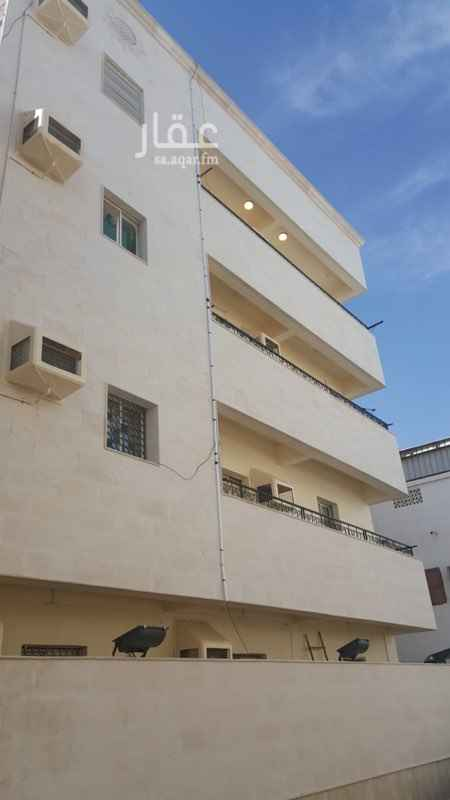 بيت للبيع في شارع عبدالله الدويش ، حي الجامعة ، جدة