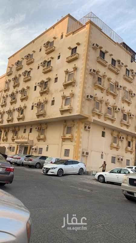عمارة للبيع في حي الروابي ، جدة