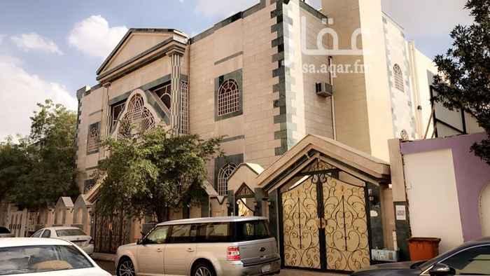 عمارة للبيع في شارع حمد بن محمد ، حي بئر عثمان ، المدينة المنورة ، المدينة المنورة