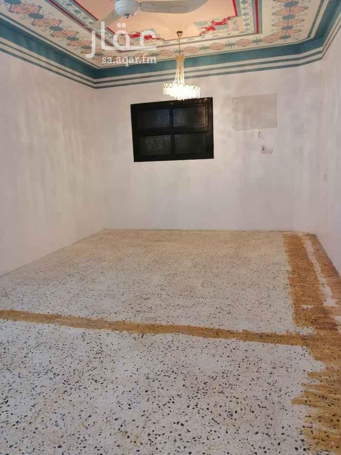 دور للإيجار في شارع الأمام ابي حنيفة ، حي العريجاء الوسطى ، الرياض