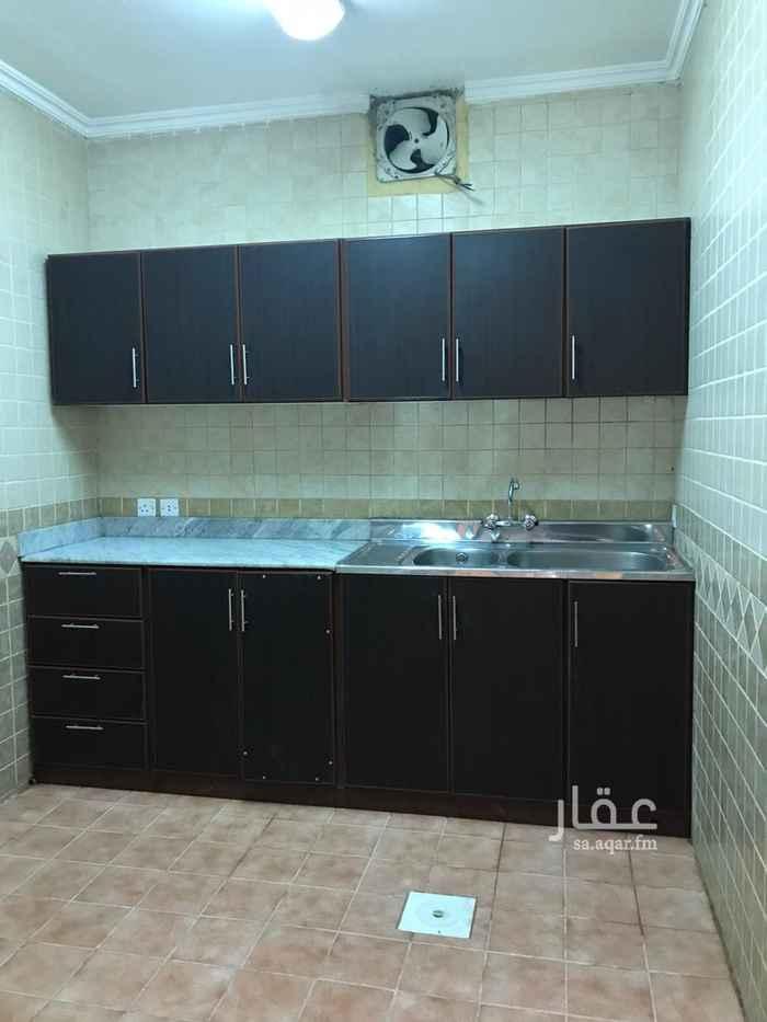 شقة للإيجار في شارع فهد بن معمر ، حي المروج ، الرياض ، الرياض