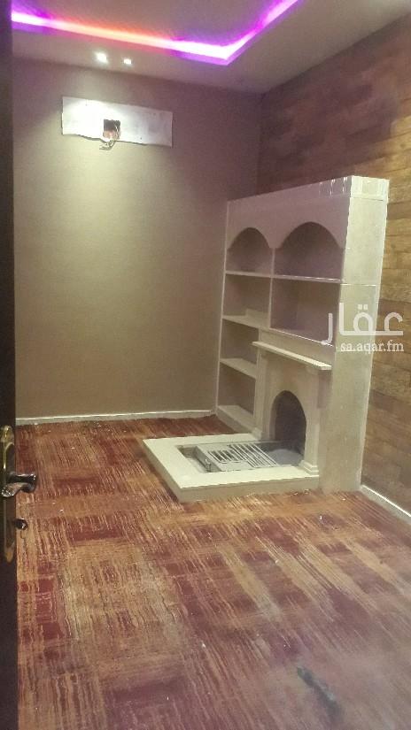 دور للإيجار في شارع علي البجادي ، الرياض