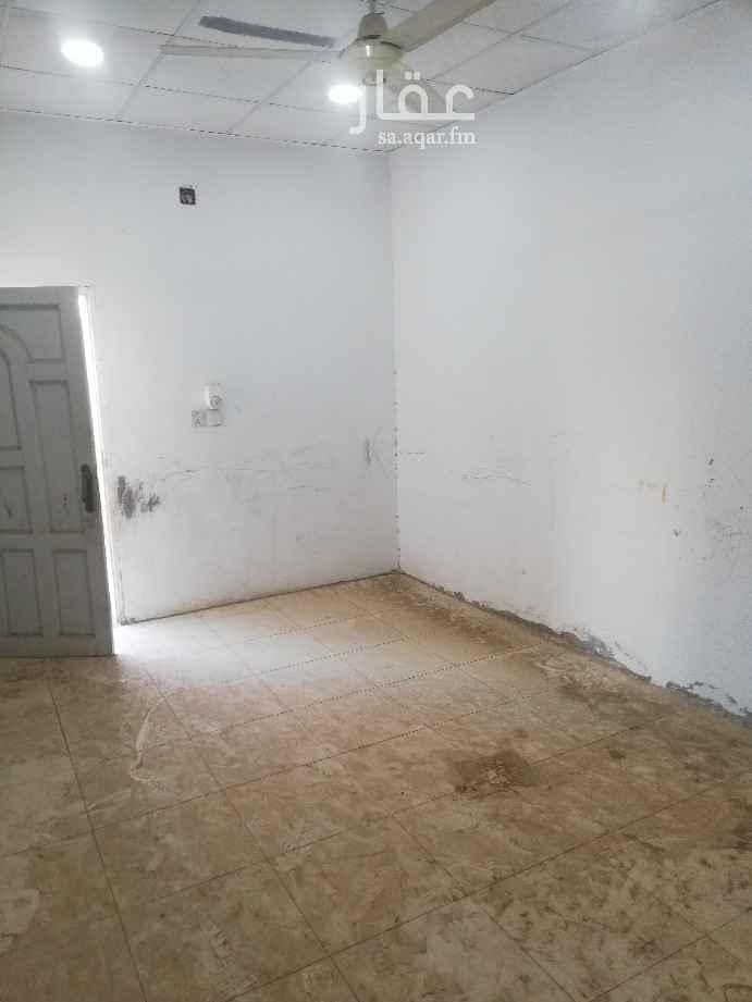 بيت للإيجار في شارع الكاملين ، حي العزيزية ، جدة ، جدة