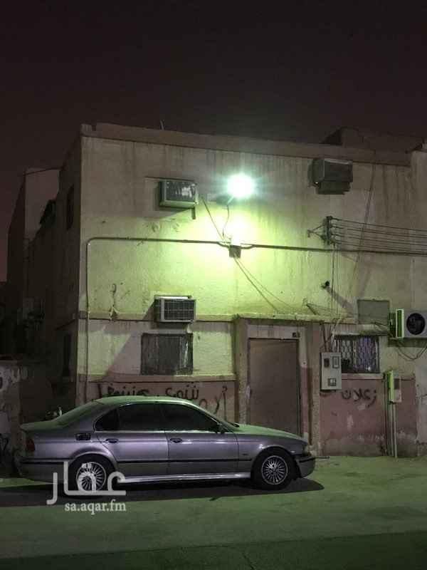 بيت للبيع في شارع راشد الجيبا ، حي الشميسي ، الرياض