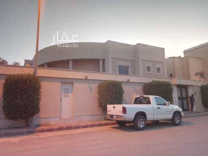 فيلا للبيع في شارع القضيف ، حي العقيق ، الرياض