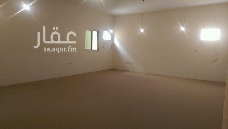 مكتب تجاري للإيجار في شارع ينبع ، حي ظهرة لبن ، الرياض