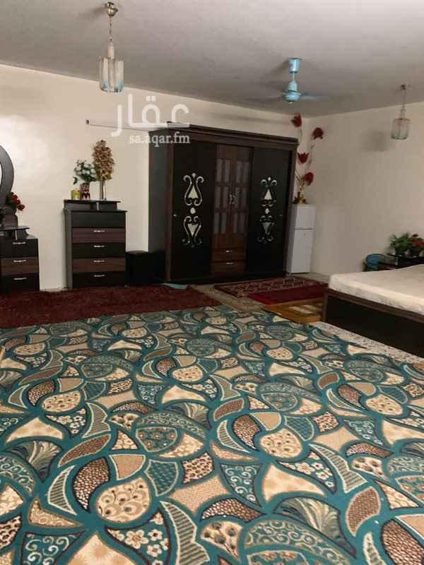 شقة للإيجار في شارع احمد بن عثمان ، حي العريجاء الغربية ، الرياض