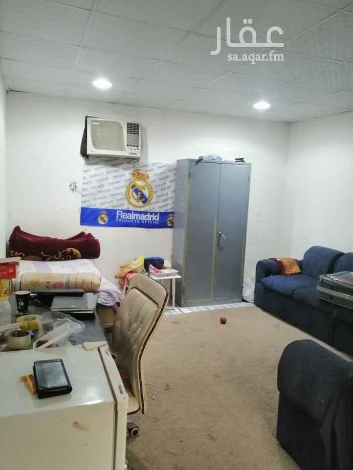 غرفة للإيجار في شارع عبدالكريم الصعيدي ، الرياض ، الرياض
