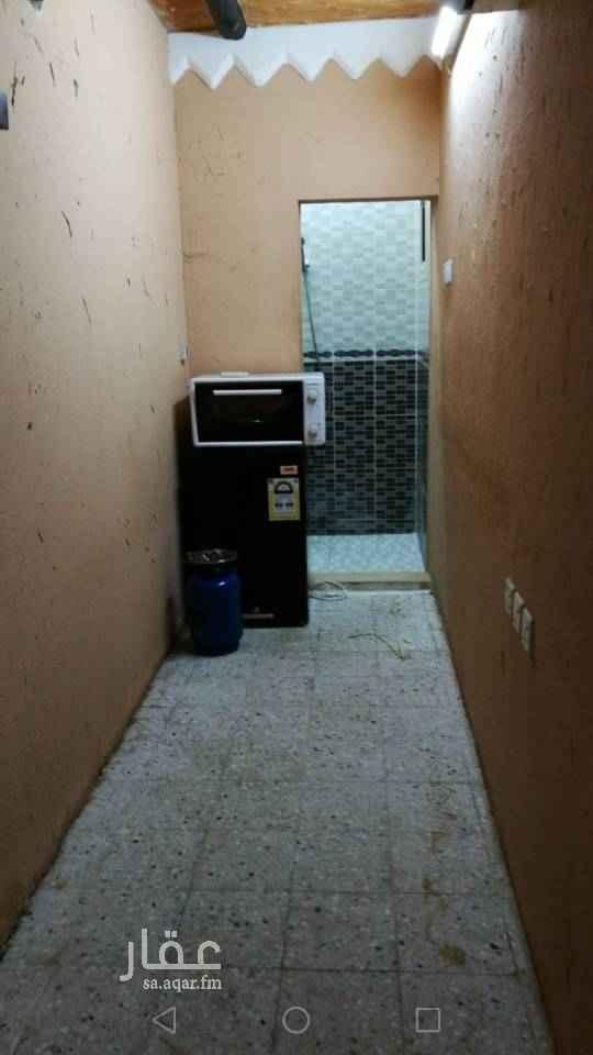 غرفة للإيجار في شارع سفيان بن الحكم ، حي العوالي ، الرياض
