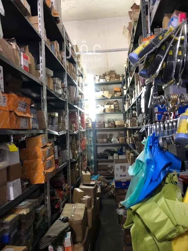 محل للبيع في شارع نجران ، حي الشهداء الشمالية ، الطائف ، الطائف