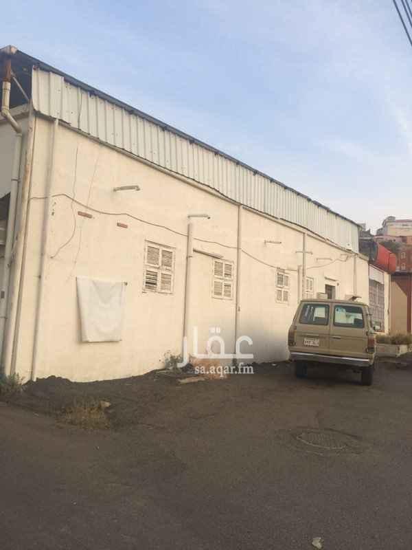 بيت للبيع في شارع الفيروز ، حي السلامة ، الطائف