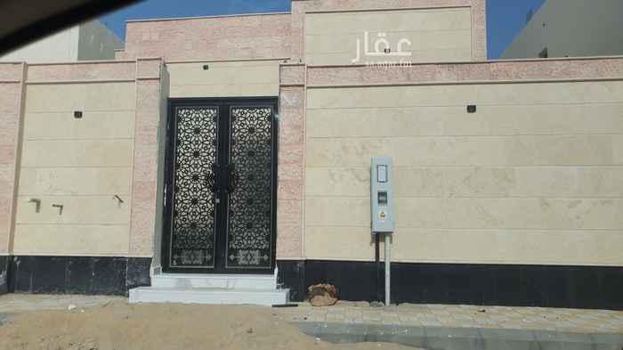 بيت للبيع في شارع مالك بن عبادة ، حي الامواج ، الخبر ، الخبر
