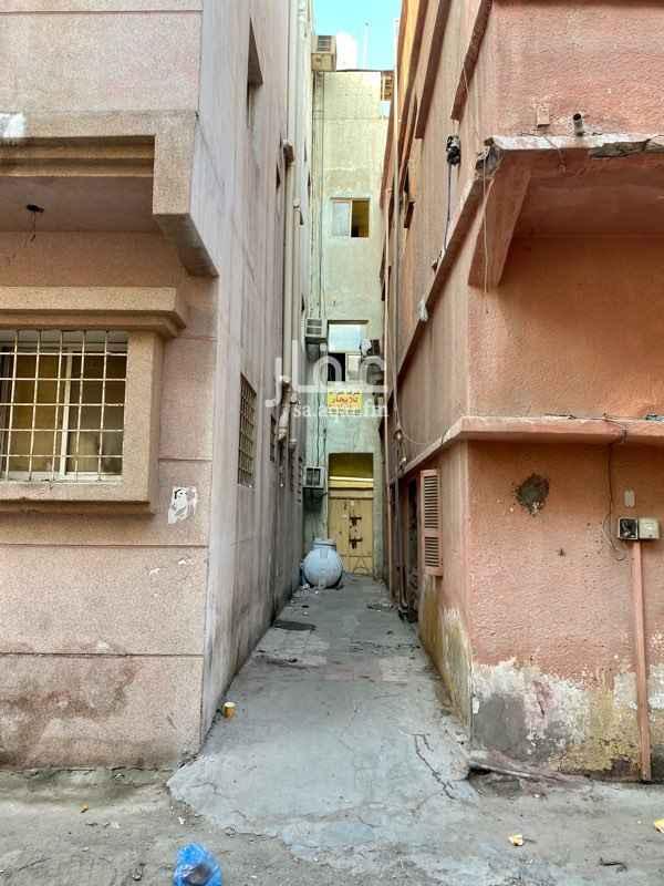 مستودع للإيجار في شارع الامام مالك بن انس ، حي السوق ، الدمام ، الدمام