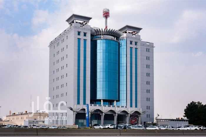 مكتب تجاري للإيجار في طريق الملك فهد ، حي الحزام الذهبي ، الخبر ، الخبر