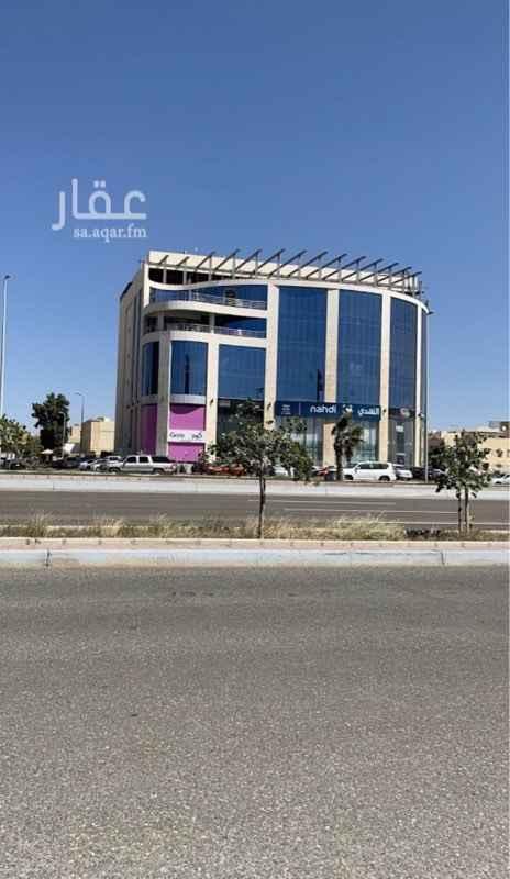 محل للإيجار في شارع ابي العباس القادسي ، حي البساتين ، جدة