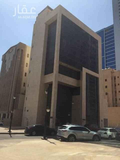عمارة للإيجار في شارع وادي الريحان ، حي العليا ، الرياض