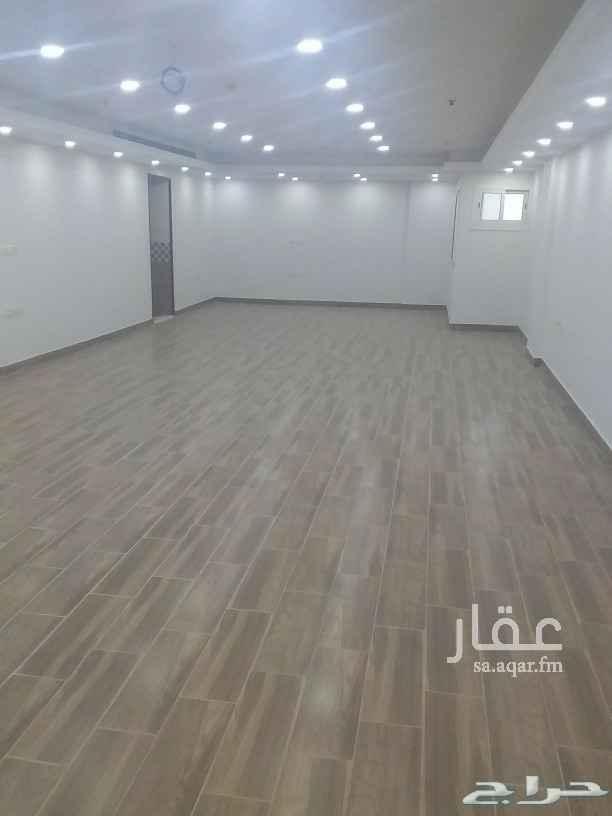 مكتب تجاري للإيجار في شارع عبد الله بن العباس ، حي الشوقية ، مكة