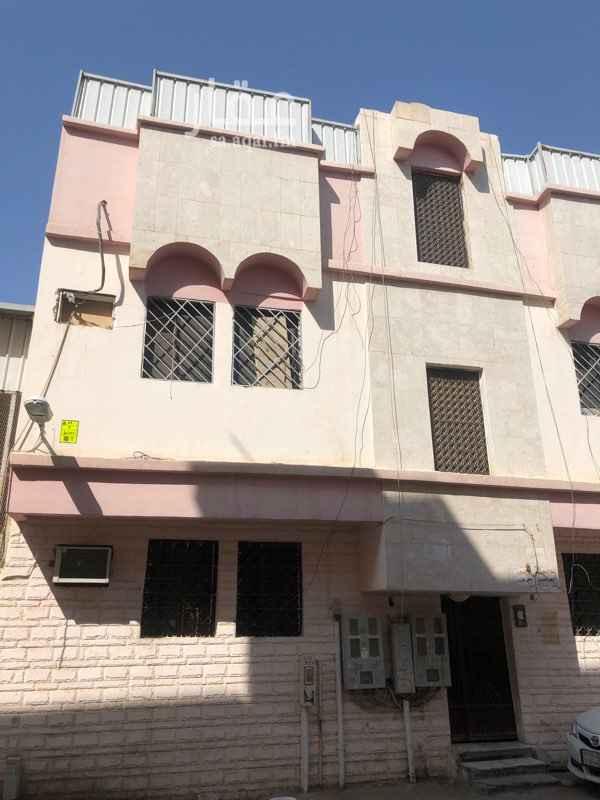 عمارة للبيع في شارع عبدالجليل بن عبدالواسع ، حي منفوحة الجديدة ، الرياض ، الرياض