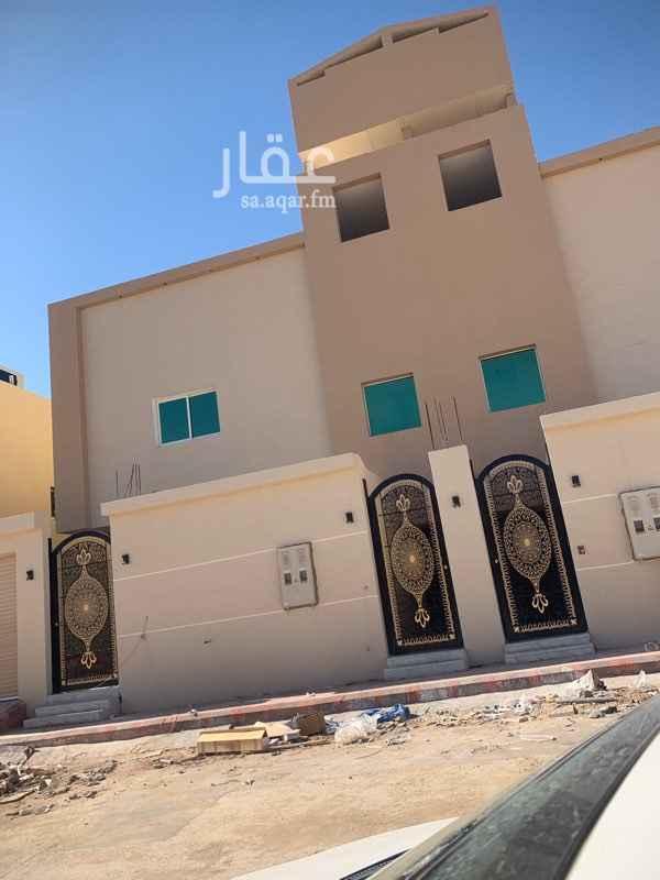 فيلا للبيع في شارع محمد بن عوجان ، حي الحزم ، الرياض ، الرياض