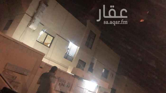 شقة للإيجار في شارع المنذر بن الطفيل ، حي الربوة ، الرياض