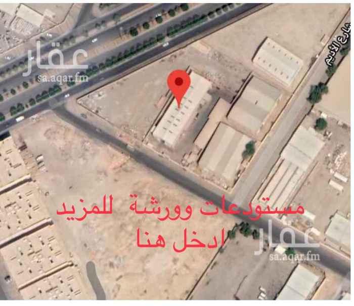 أرض للبيع في شارع اسعد بن سلامة الانصاري ، حي العزيزية ، الرياض ، الرياض