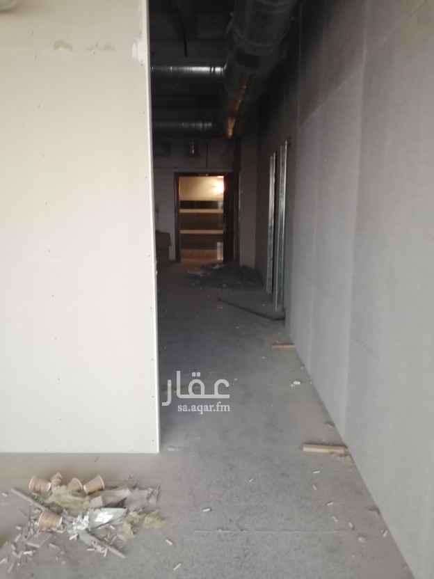 مكتب تجاري للإيجار في شارع محمد رؤوف ، حي المروج ، الرياض ، الرياض