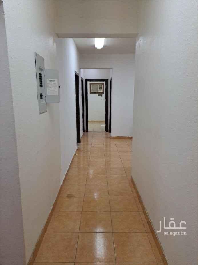 شقة للإيجار في شارع احمد بن فارس ، حي ثليم ، الرياض ، الرياض