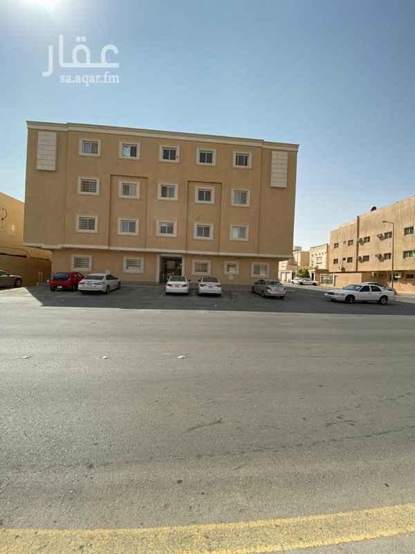 عمارة للبيع في شارع محمد بن عبدالسلام ، حي المغرزات ، الرياض