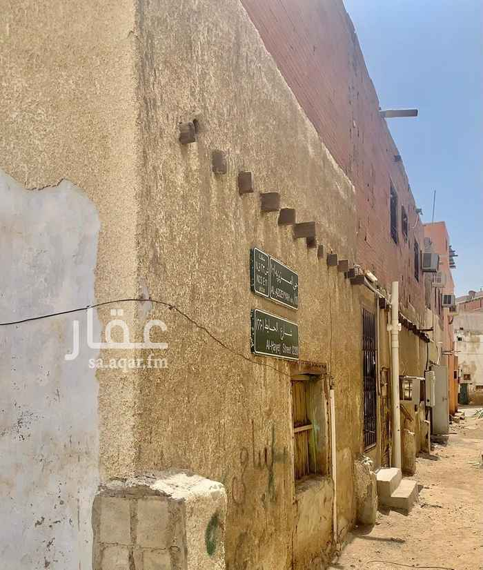 بيت للبيع في شارع وادي الزرقاء ، حي العزيزية ، جدة ، جدة