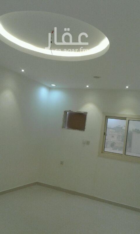 شقة للبيع في شارع علي بن عبيدالله الحارث ، حي الدفاع ، المدينة المنورة