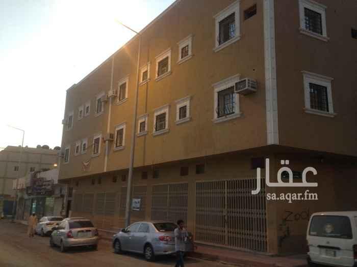عمارة للبيع في شارع قتيبة بن مسلم ، حي اليمامة ، الرياض