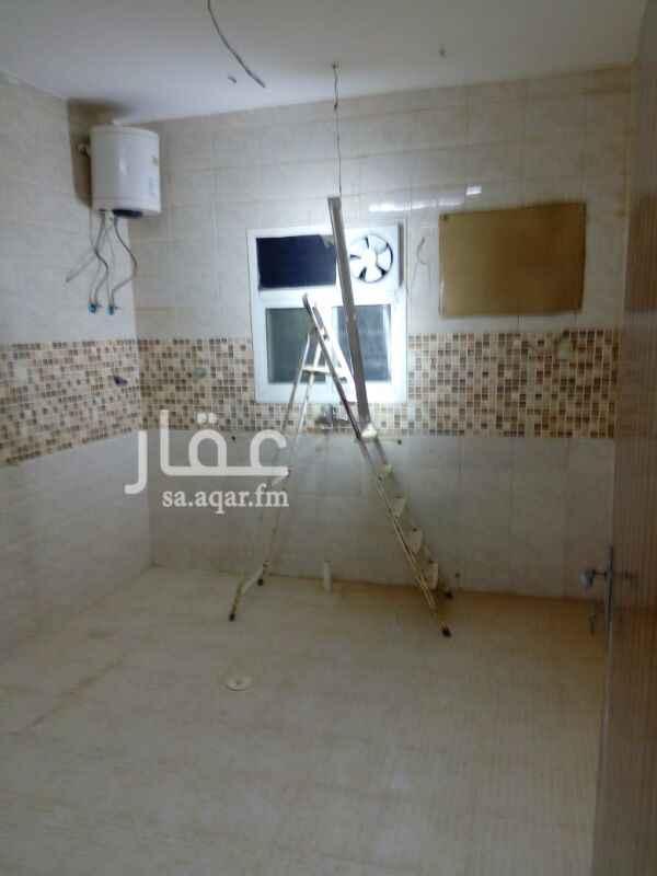 فيلا للإيجار في شارع محمد بن كثير ، حي الرمال ، الرياض